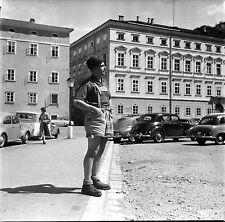 AUTRICHE c. 1955 -Autos Jeune Homme Tyrolien Salzbourg - Négatif 6 x 6 - Aut 168