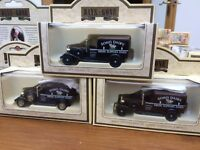 LLEDO DG22009 SOHO DAIRY Fresh Supplies Daily 1933 Packard Town van Chrome Brass