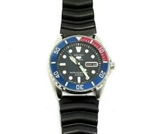 Full Men size Seiko 5 Sports Diver's Automatic 100m 7S36-00G0 23 Jewels