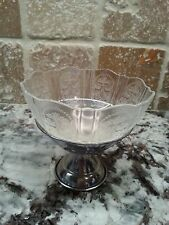 Beautiful Depression Glass ice cream/sherbert dishes w/ metal base set of 6