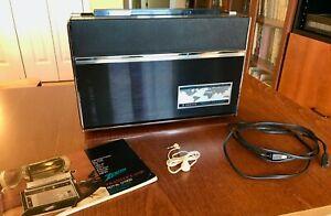 Zenith Royal D7000Y Trans-Oceanic 11 Band Transistor Radio