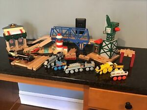 Thomas & Friends Wooden TALKING RAILWAY SERIES FAREWELL AT THE DOCKS,CRANKY LOT
