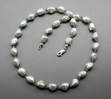 Perlenkette - weiße Keshi Zuchtperlen mit Peridot & Apatit Halskette 46 cm