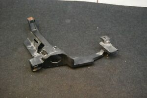 BMW E46 325Ci 03-06 holder support holder for Headlight right front 1301073023
