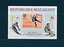 Madagascar  bloc  jeux olympiques Innesbruck    1975  num: 9  **