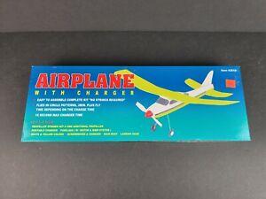Lightning Flying Model Airplane w/ Charger #42619 Vintage 2000 Kit NEW UNOPENED