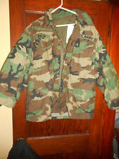 U. S. ARMY CAMOUFLAGE FIELD COAT COLD WEATHER WINFIELD MFG CO MEDIUM PATCHES