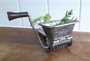 Vintage MOULI PARSMINT METAL HERB MILL Retro French Kitchen Collectable Utensil