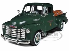 1950 CHEVROLET PICKUP TRUCK GREEN WITH BARRELS 1/32 SIGNATURE MODELS 32391