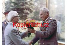 J102 esercito generale Hoffmann COMPLEANNO Honecker DDR foto 20x30