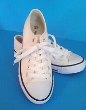 """Pierre Dumas Girls Youth NEW """"Metro""""  White/Black  Lace up Sneakers Shoes SIZE 6"""