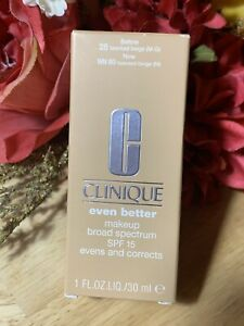 Clinique Uniforme Mejor Maquillaje SPF 15 Evens&Corrige Wn 80 Tawnied Beige (M)