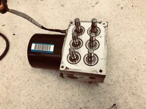 2001-2002 Dodge RAM 2500 ABS pump hydraulic unit