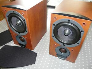 Jamo C601 bookshelf desktop speakers