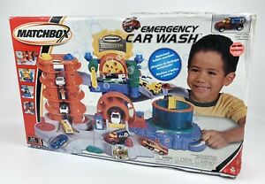 Matchbox Emergency Car Wash Playset Sealed 97646