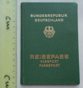 Reisepass Bundesrepublik Deutschland 1976-1981 Hamburg Eimsbüttel DDR Staaken