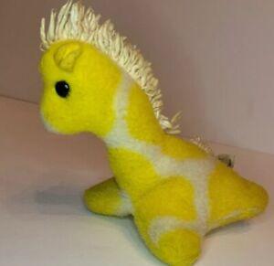 """Vtg Eden Plush Rattle Baby Yellow Giraffe 5.5"""""""