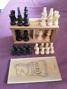 Complete Set Of Staunton Boxwood Chess Pieces House Martin