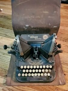 Antique Oliver Batwing Typewriter No. 5 Standard Visible Writer with case