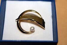 Gelbgold-Brosche 333  - mit echter weißer Süßwasser-Perle - neu