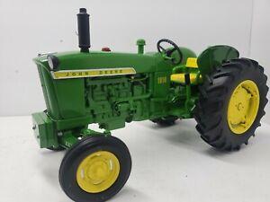 John Deere 1010 Special WF 1/16 Tractor Collector Edition