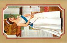 Picture Postcard>>QUEEN ELIZABETH II