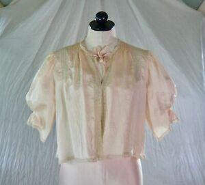 VINTAGE 30s soft PINK SATIN BED JACKET lace + pale blue ribbons M