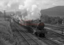 PHOTO  GWR 4907 BROUGHTON HALL ON A FITTED FREIGHT AT ABERGAVENNY JUNCTION IN 19