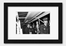 More details for sex pistols - vivienne westwood being arrested after boat party 1977 print 2