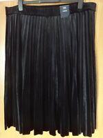 M & S Black Curve Pleated Velvet / Velour Pull On Lined Skirt BNWT Size 28