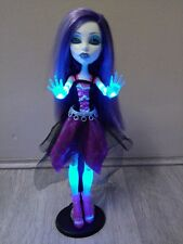MONSTER High Ghouls Alive Spectra Vondergeist Doll