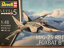 +++ Revell 03931 MiG-25 RBT FOXBAT B 1:48