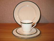 ROYAL DOULTON *NEW* OXFORD VERT GREEN Set 2 assiettes + 1 tasse Set 2 plates+cup