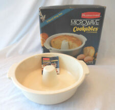 Rubbermaid microwave oven 2 qt ring pan cake bundt bread box plastic