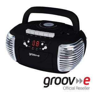 GROOV-E RETRO BOOMBOX PORTABLE CD CASSETTE & FM RADIO PLAYER - BLACK - GVPS813BK