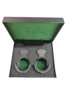 """2 Set Of Trial Optical Lens Piece Frame Clip Holds 1 1/2"""" trial lenses With Case"""