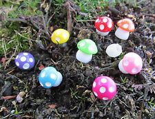 Pack of 8 Resin Fairy Garden Mushroom Toadstools Dolls House Miniatures 13mm