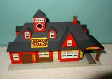 1989 Lewis Galoob Toys Inc. battery powered Central Station, HO Scale