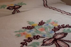 Vintage Beautiful Heavy Cotton Chenille Bedspread 88x104 Fab Flowers