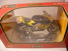 Miniature MOTO 1/18 eme BURAGO Collection HONDA RCV 211 2005
