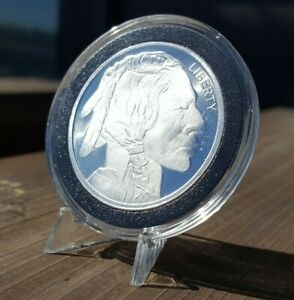 1oz .999 Fine Silver Round Buffalo Nickel Design In Capsule With Display Stand!!