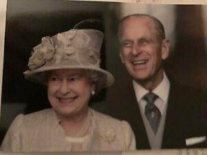 The Queen Elizabeth II Reply Letter And Photo Postcard
