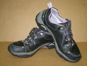 Ahnu Montara II Hiking Shoes, women's size 7 US, Black Leather #F3012F