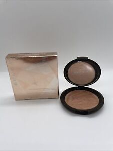 BECCA Shimmering Skin Perfector Pressed- Bronzed Amber 0.28oz