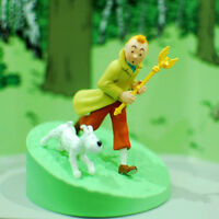 Tintin and Snowy Figurine Tintin holding the sceptre original box new