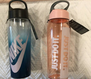 Nike Hypercharge Straw Water Bottle, 32oz