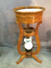 meuble de toilette époque Charles X sur pieds tripode en ronce de noyer