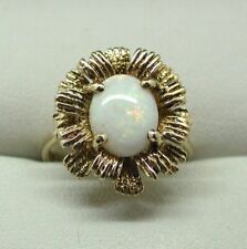 Lovely 9 carat Gold And Opal Dress Ring Size M..1/2