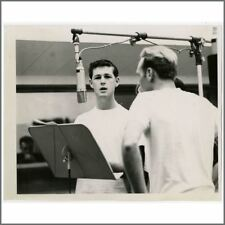 The Beach Boys Brian Wilson 1963 Vintage Capitol Records Photograph (Usa)