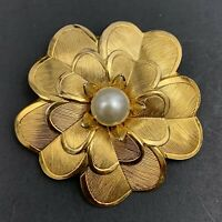 Lieba USA Faux Pearl Flower Scarf Clip Vintage Gold Tone Floral